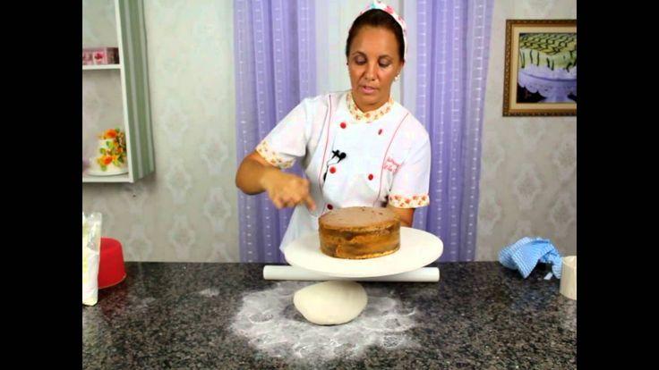 Como colocar pasta americana no bolo parte 2
