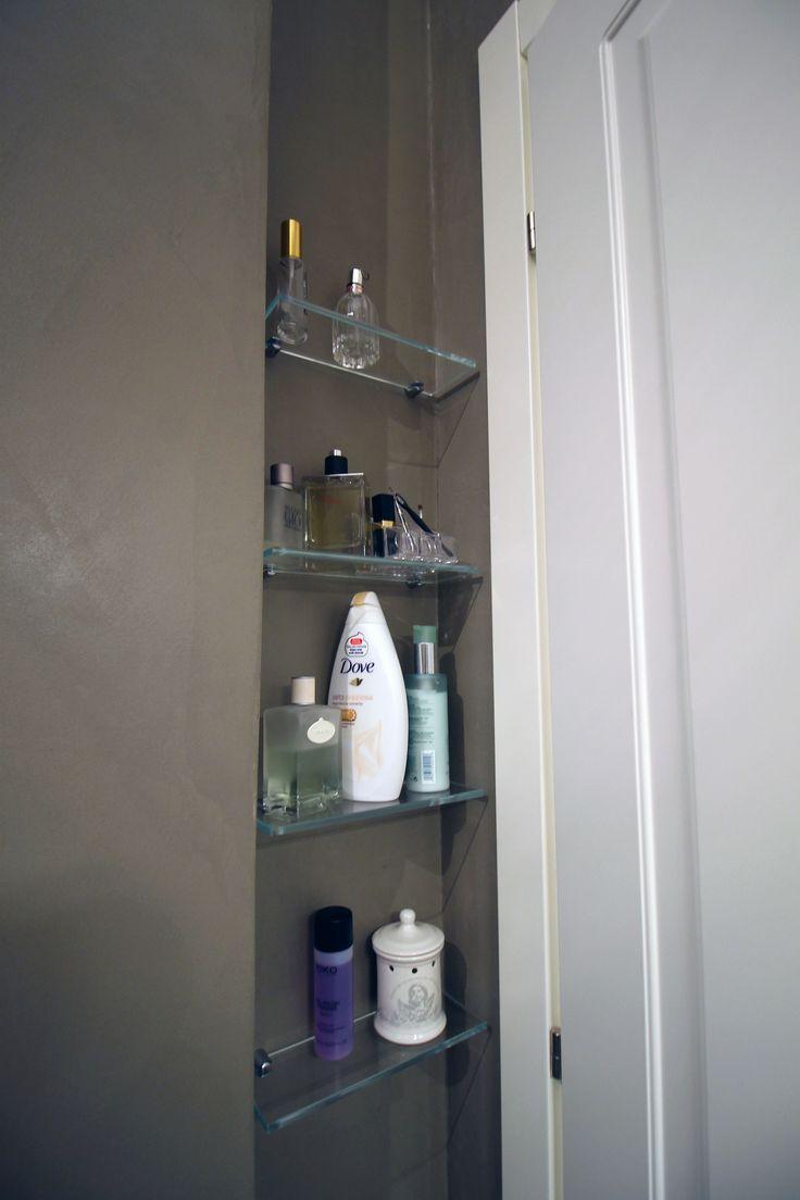 Oltre 25 fantastiche idee su mensole da bagno su pinterest - Mensole bagno in vetro ...