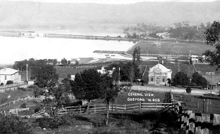 Gosford,Central Coast of New South Wales,where the School of Arts is and the surrounding area (year unknown).A♥W