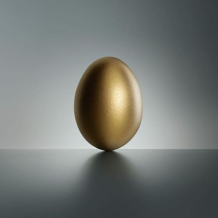 Have a great easter holiday! Photo by Fulvio Bonavia. @fulviobonavia #goldenegg #gold #golden #egg #easter #holiday #surreal #metal #art #stillife #photography #photooftheday #photomanipulation #professional #photographer #illgrammers #agameoftones #visualsoflife #justgoshoot #photomafia #moodygrams #thatsdarling #severinwendeler #fulviobonavia