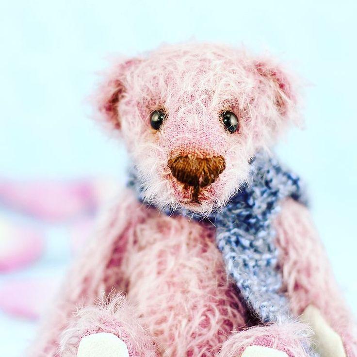 Roses are red teddy bear Violet is blue. #cutie #mohair #teddybear #etsysuccess #etsyuk #etsyfinds #makersmovement #handmadewithlove #prettylittlethings #miniature #love #dailydoseofcute #handsandhustle #loveanimals #bears #christmashift #darlingmovement