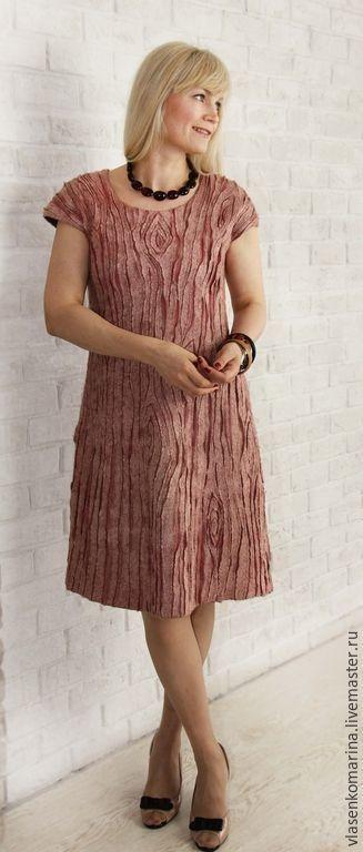 Платье из войлока.