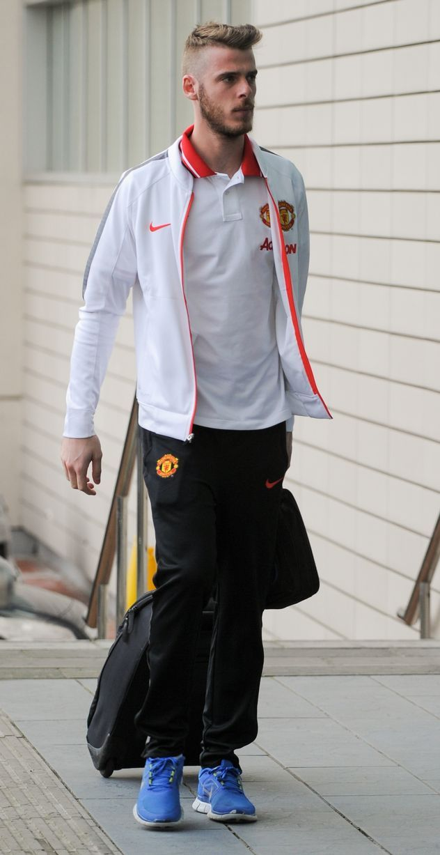 De Gea arrives at The Lowry, the night before the derby. 11.4.2015
