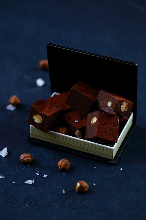 Un dejeuner de soleil: Fudges au chocolat et aux noisettes