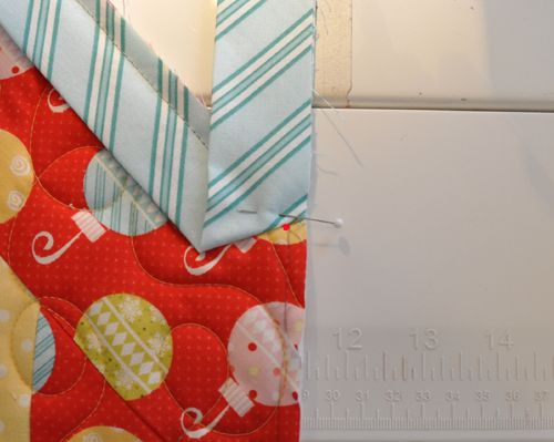Binding odd angles on quilts. Very helpful! From: Trends and Traditions: Where Trendy meets Traditional Quilting, by Designer Heather Mulder Peterson of Anka's Treasures