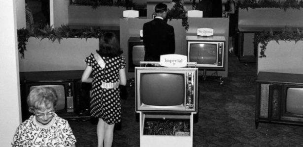 """A exposição em Las Vegas, nos Estados Unidos, apresenta """"tecnologias que mudam o mundo"""", como explicam seus organizadores no site oficial.A CES abriu suas portas pela primeira vez há 50 anos com a TV preta e branca como sua grande estrela"""