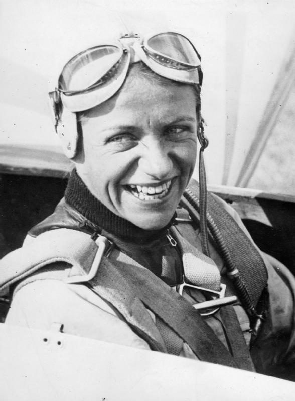 THE SECOND WORLD WAR GERMAN TEST PILOT HANNA REITSCH    Here is a photo of her in the collection of the Imperial War Museum - from the Foreign Office Intelligence division.