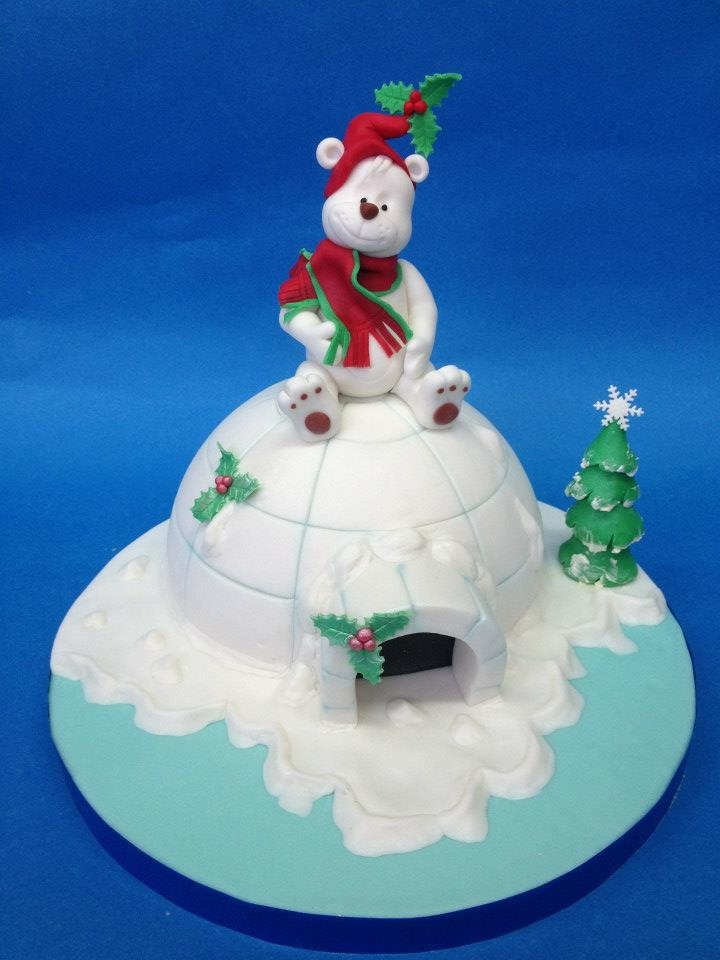 Igloo & bear Christmas cake