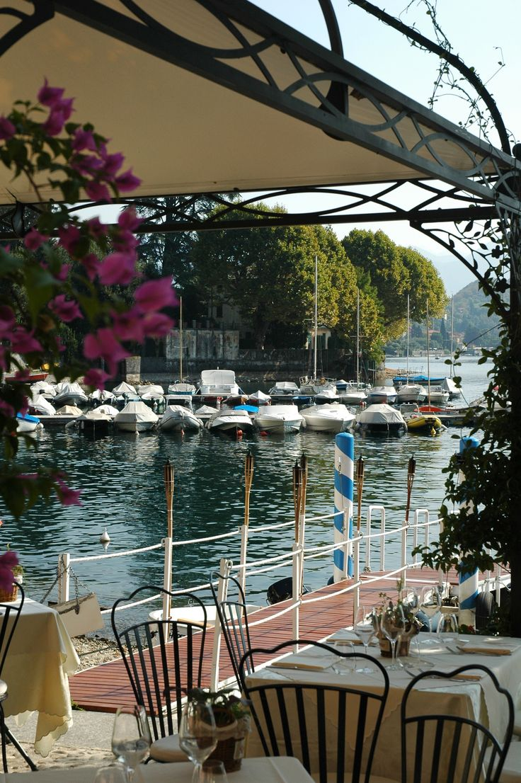 A short stroll from Dolce Mistero is La Tirlindana restaurant down at the Port at Sala Comacina