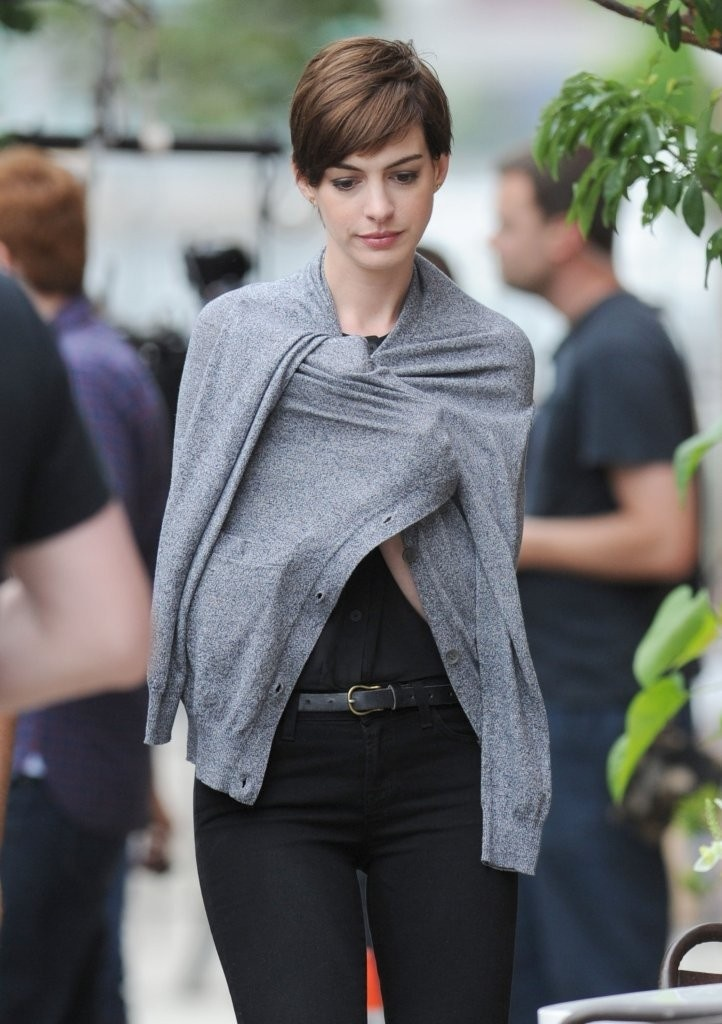 Anne Hathaway's awesome haircut.