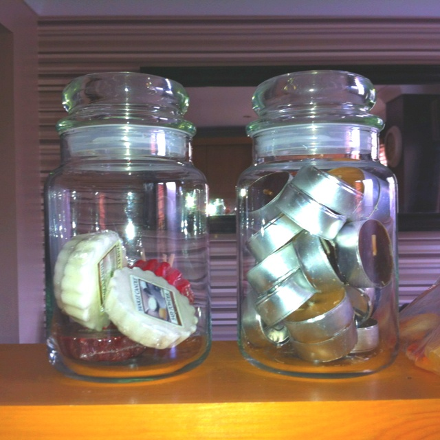 Ideas for re-using Yankee Candle jars.