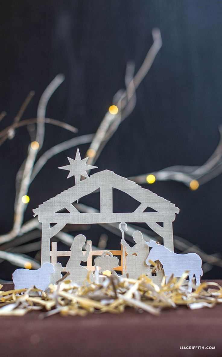 #Nativityscene #Christmasdecor #paperart www.LiaGriffith.com: