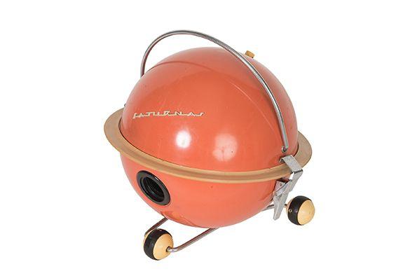 Saturnas Vacuum Cleaner (Courtesy GRAD and Moscow Design Museum)