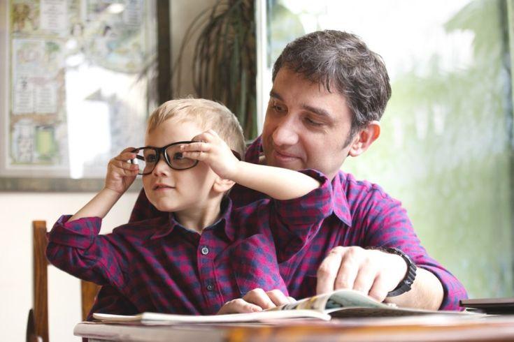 Θοδωρής Τσεκούρας: Πώς να είσαι σωστός πατέρας όταν είσαι παιδί και ο ίδιος   Πηγή : Andro.gr [ http://www.andro.gr/zoi/thodoris-tsekouras/ ]