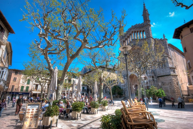 Soller Town Square