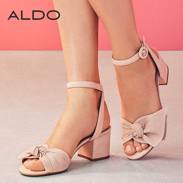 フロントのリボンがキュート!エレガントなパステルピンク色アンクルストラップ・サンダル♪ #aldo #アルド #sandal #サンダル