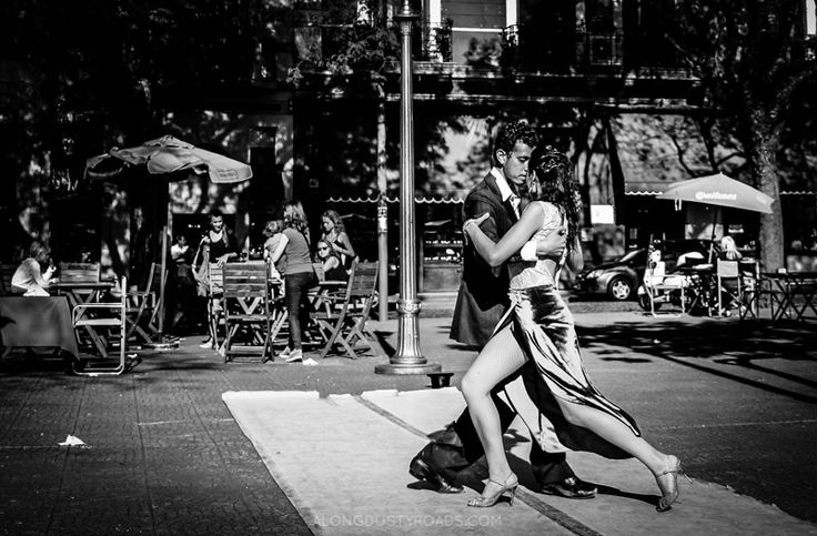 Tango in Plaza Dorrego - Buenos Aires