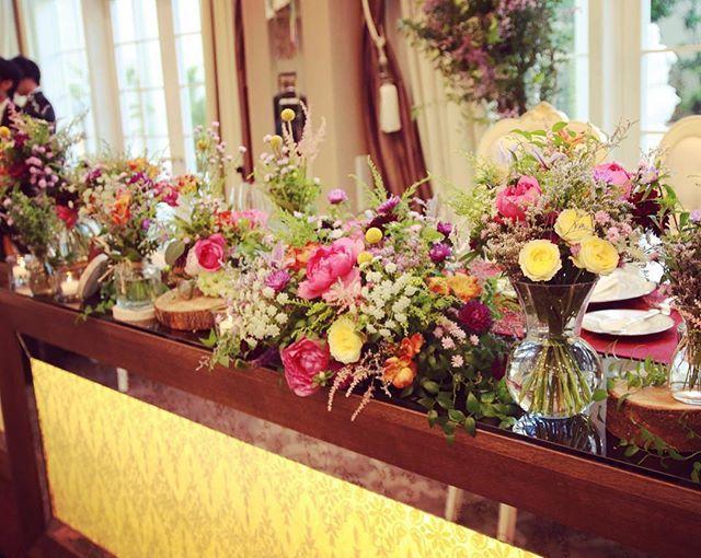 最初からソファ席がやりたかったけど、 披露宴は社長や役員も来ていただくことになってたので、 ソファ席は我慢 ( ˆᴗˆ ) テーブル有りできちんと感をだしました♡ でもちゃんとイメージどおり♡ #ウェディング#結婚式#ウェディングレポ#結婚式レポ#ウェディングニュース#アクアグラツィエ#アプローズスクエア#花嫁図鑑#プレ花嫁#卒花嫁#卒花#ベストブライダル#ジェニーパッカム#トリートドレッシング#ウェディングフォト#高砂装花 #高砂#高砂装飾