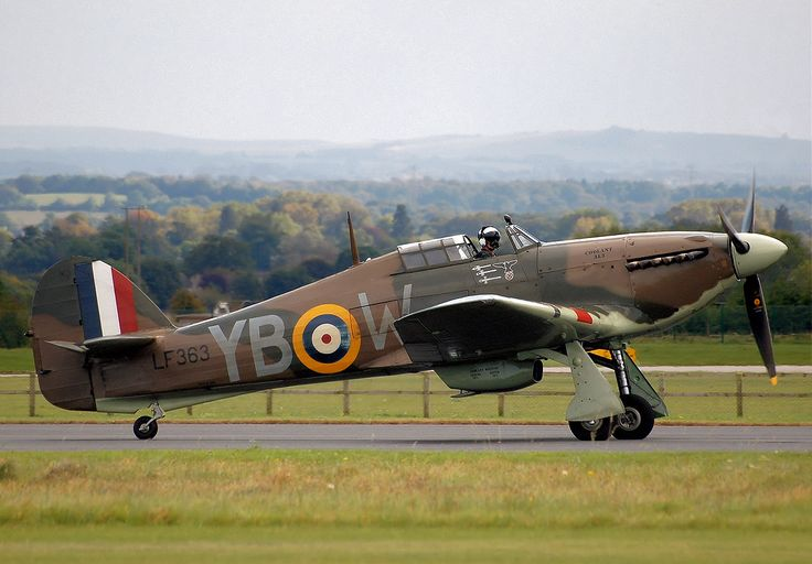 Bobmf hurricane iic lf363 at kemble arp - Hawker Hurricane variants - Wikipedia, the free encyclopedia