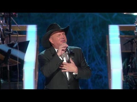 Garth Brooks Honors James Taylor At The Kennedy Center Honors - YouTube