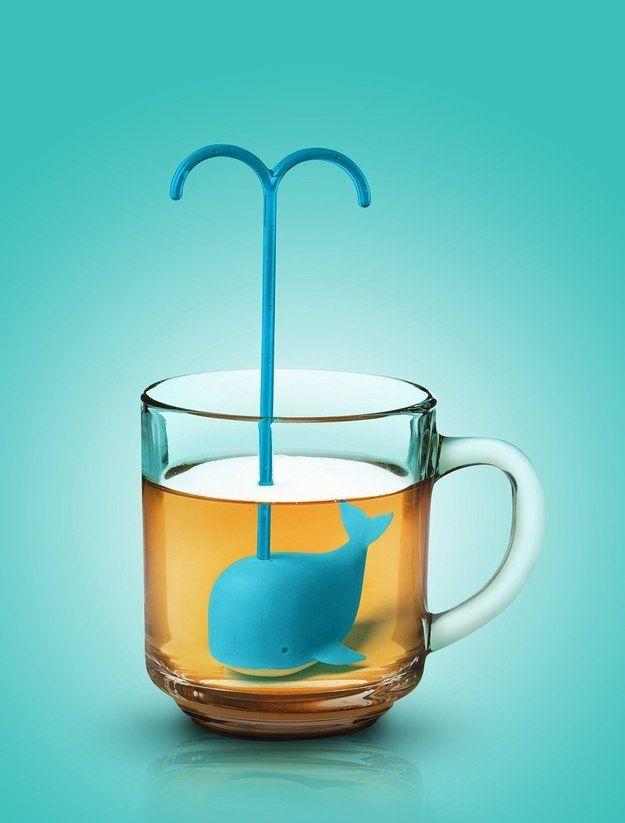 Cette boule à thé en forme de baleine. | 24 produits incroyables qui égayeront vos repas