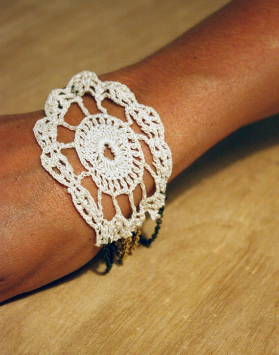 A doily for your wrist