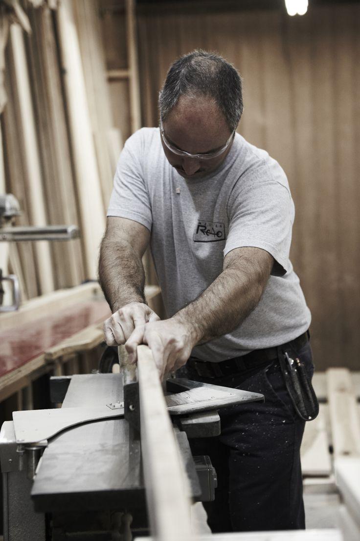 La coupe du bois est la première étape de la conception de vos meubles