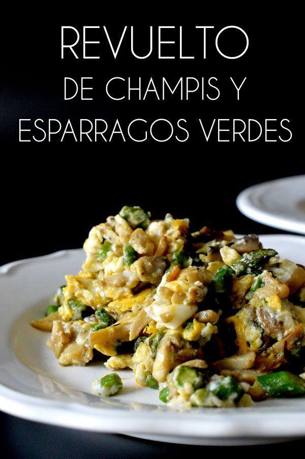 este revuelto de champiñones y espárragos verdes se puede convertir en una de tus cenas favoritas, es súper rápido y sencillo