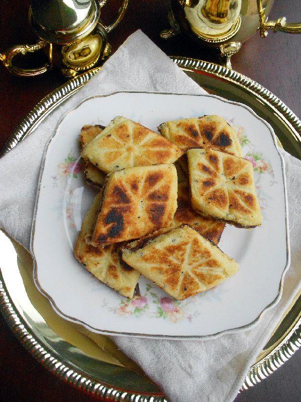 Algerian Date Filled Semolina Cookies #recipe from culinarycoutureblog.com