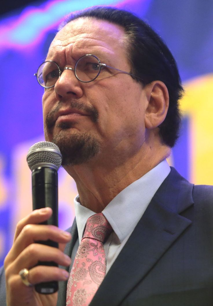 TIL that Penn Jillette from Penn and Teller painted his finger nails red as a joke in response to his mother telling him him to get a manicure because people would be looking at his hands but always keeps one finger nail painted red in memory of his mother.