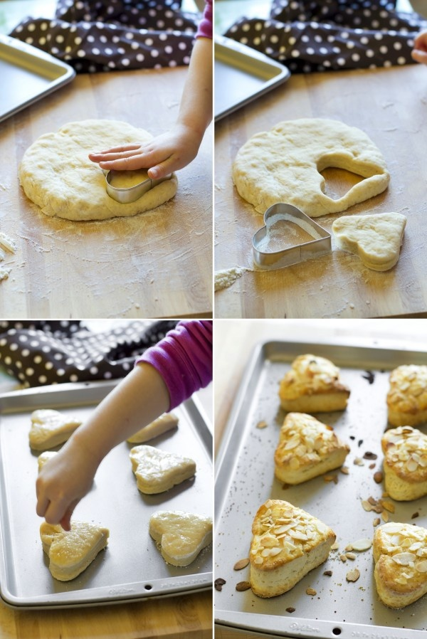 { Ricetta vintage realizzata a 4 mani } scones alle mandorle - { Vintage recipe } Almond scones with strawberries jam
