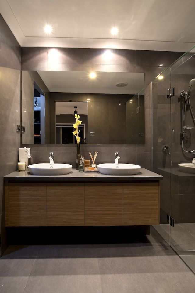 Bathroom. Ensuite. Charcoal tiles.