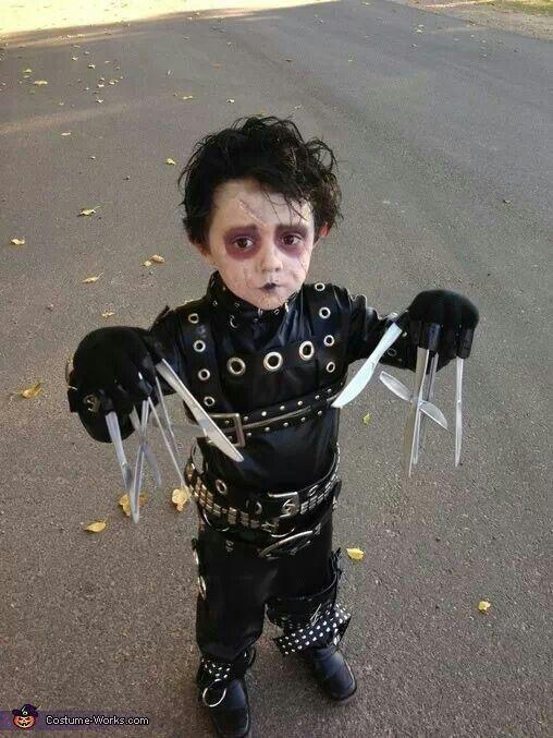 Ooohhhh my Gooooooddd I love it!!!!!!! Mini Edwards scissorhands www.rocknightdespedidas.com