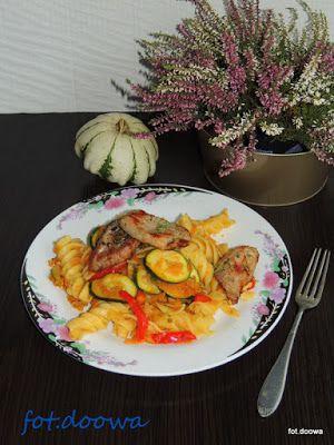 Moje Małe Czarowanie: Makaron z sosem z dyni i polędwicą wieprzową