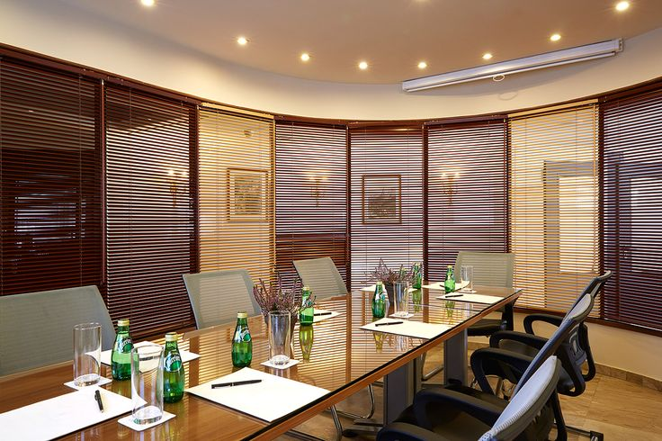 Ermis Meeting Room - ideal for small business meetings!
