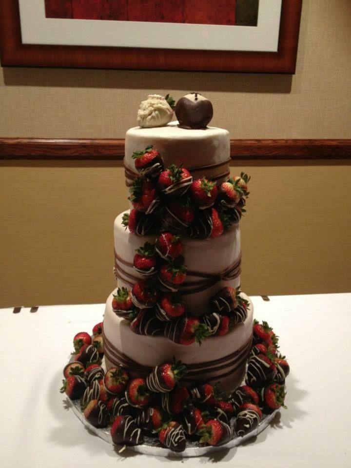 Strawberry Waterfall Cake Wedding