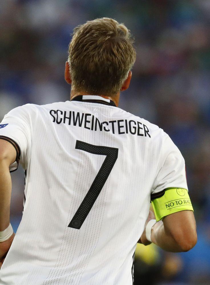 The 25 Best Bastian Schweinsteiger Ideas On Pinterest