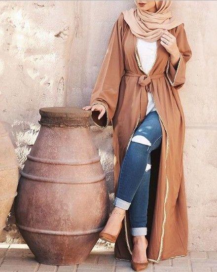 tan open abaya style with jeans and pumps- abaya hijab fashion