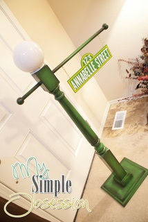 Sesame Street Birthday Party - Sign Tutorial  try to make one for my antique light fixture