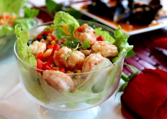 Gluten Free Latina: Shrimp, Mango, and Roasted corn lettuce Cups light