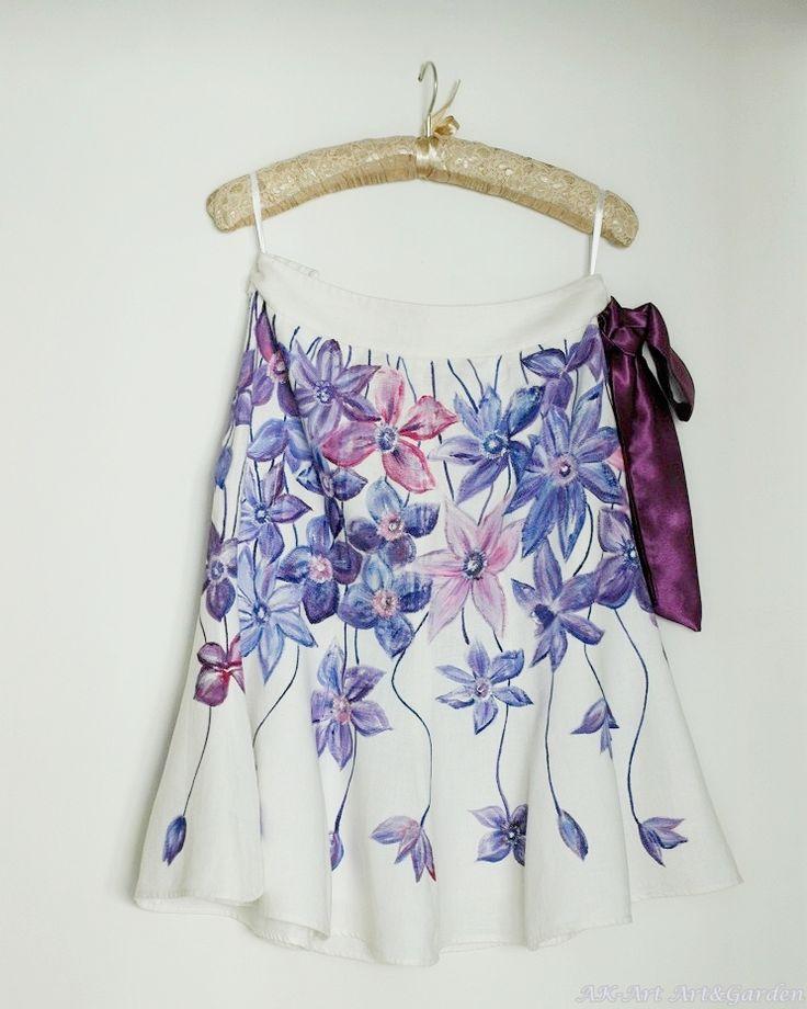 Ręcznie malowana spódnica z powojnikiem / Hand painted skirt with traveller's-joy