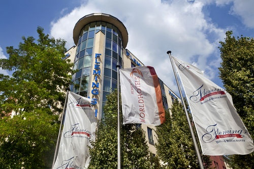 Flemings Hotel Munchen Schwabing-The hotel provides tastefully equipped rooms and suites in one of the city's most prestigious neighbourhoods. The nearby underground connection ensures maximum mobility. The trade fair and Allianz Arena are within comfortable reach.