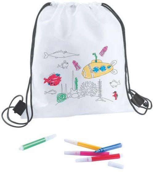 Kifestő hátizsák gyerekeknek. A készletben található színes filctollakkal saját maga tudja kifesteni a kis hátizsákot, amit aztán használhat...