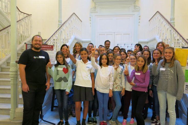 El Instituto Internacional de inglés en Madrid lanzó el primer programa gratis para chicas Tech de Estados Unidos con Campamento Tecnológico en el Instituto Internacional. Cerca de 300 niñas se inscribieron en el programa que proporciona 28 niñas de 11- 14 años de edad, con talleres que se reúnen cada dos semanas para exponer a los estudiantes a programas innovadores en ciencia y tecnología.