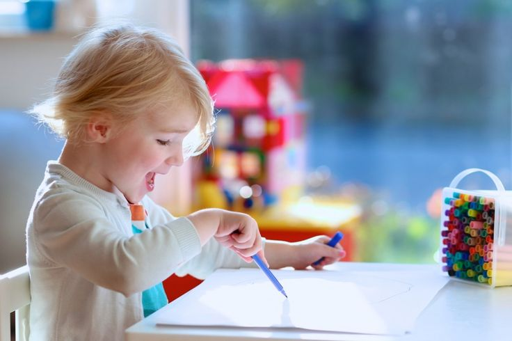 12 Low-Prep, Screen-Free Ways To Keep Toddlers Busy In Winter
