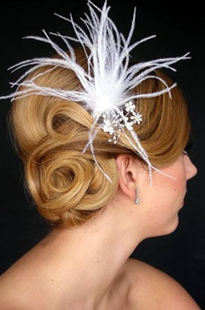 Bridal: Weddings Hairstyles, Buns Hairstyles, Hairs Piece, Bridal Hairstyles, Hairs Styles, Pin Curls, Feathers, Hairs Accessories, Updo