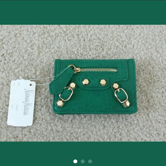 Neiman Marcus card holder MOVING SALE!!! PRICED TO SELL. NO OFFERS PLEASE.  NWT Neiman Marcus card holder looks like a Balenciaga handbag SUPER CUTE Color: Kelly green Neiman Marcus Bags Wallets
