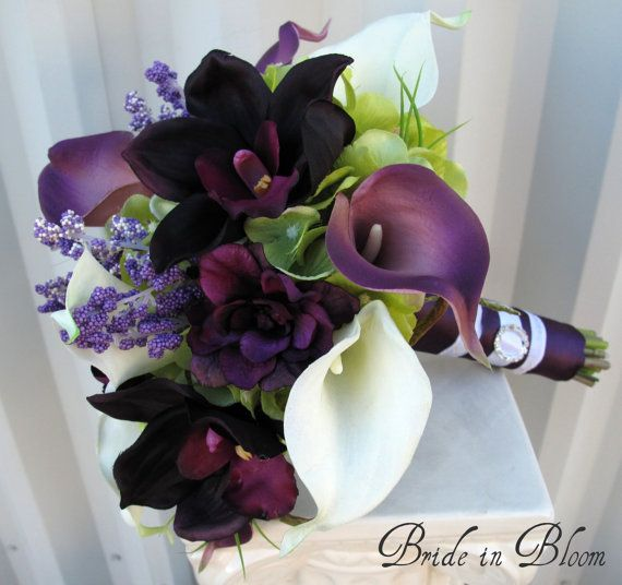 This 6 piece wedding bouquet set is an elegant combination of plum purple orchid, delphinium & real touch calla lilies.  ~~~~~~~~~~~~~~~~~~~~~~~~~~~~~~~~  Your wedding bouquet set includes: Brides bouquet: $150.00 Bouquet measures 10 ( 23 cm ) wide x 12 ( 30 cm ) tall. 10 eggplant & white calla lilies, 5 plum orchids, hydrangea, lavender & plum delphinium, framed with curly willow loops and grass. Handle treatment: plum satin ribbon, white satin ribbon sash, completed with a sparkling…