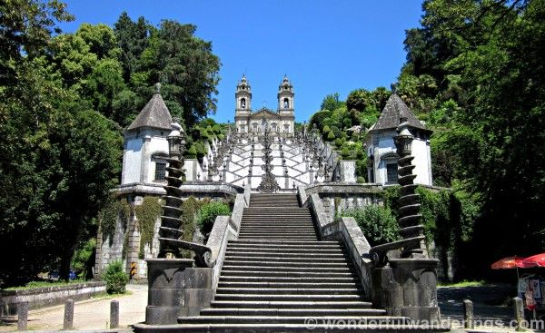 Guimaraes, Bom Jesus do Monte and Apulia – a day trip from Porto