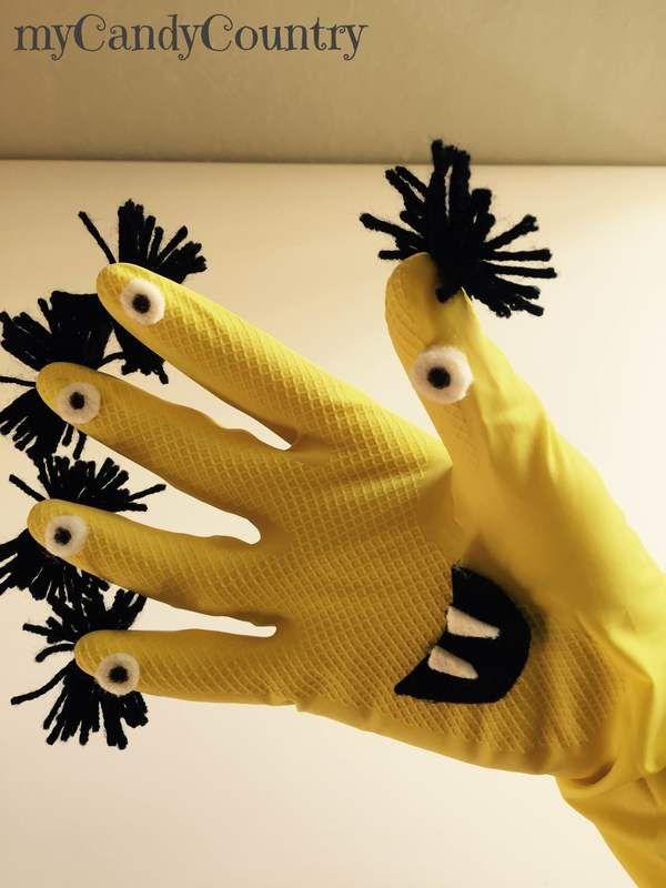 Come realizzare dei mostri fai da te per Halloween riciclando dei guanti in gomma Idea creativa per far giocare i bambini durante la festa di Halloween.  #halloween #halloweenparty #mostri #riciclocreativo #riciclo #bambini  Seguimi su: www.mycandycountry.it